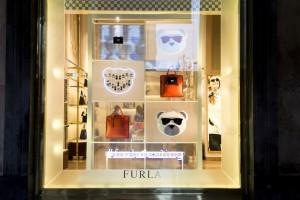 Allestimento vetrine Furla Uomo - Duomo Milano